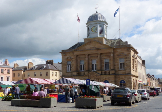The Farmer's Market in cobbled Kelso Square