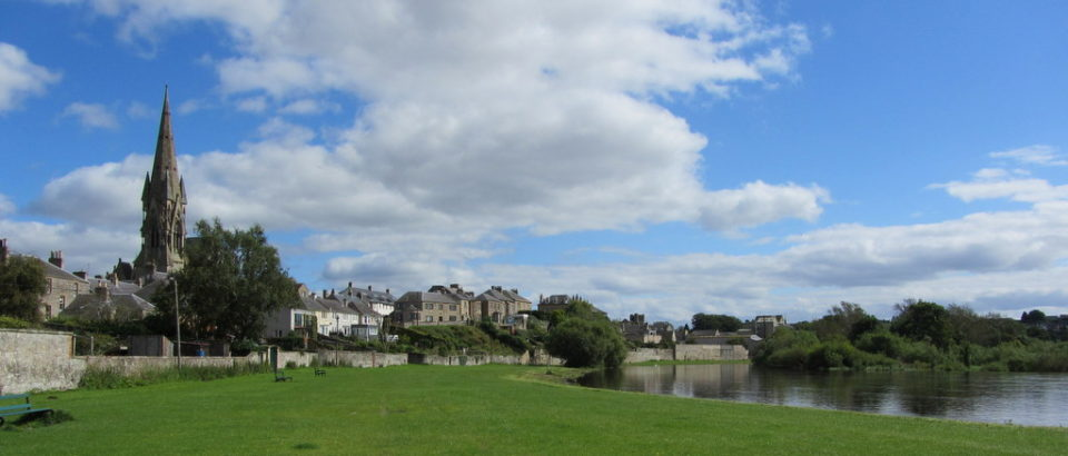 Walks by The River Tweed along Kelso Cobby