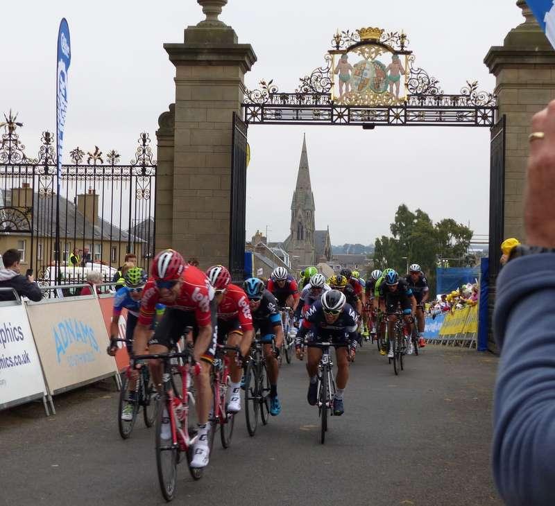 The Tour of Britain streaming through Floors Castle gates