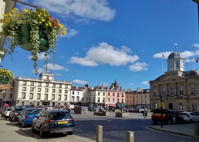 Kelso Square looking to The Cross Keys Hotel