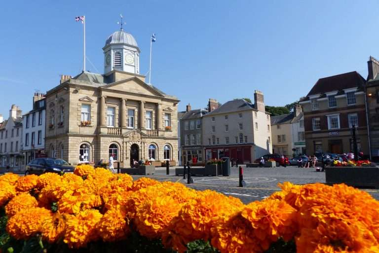 Kelso Square and Town Hall